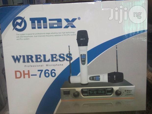 Microfone sem fio Max 2 mics de mão