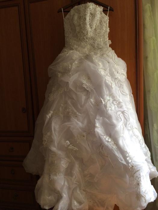 продаю свадебное платье производства Италия