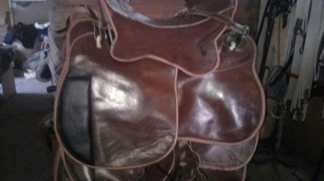 седло для лошади из кожи казахстанское