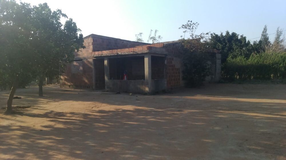 Vendo Casa t3 na segunda paragem depois do control da Matola rio