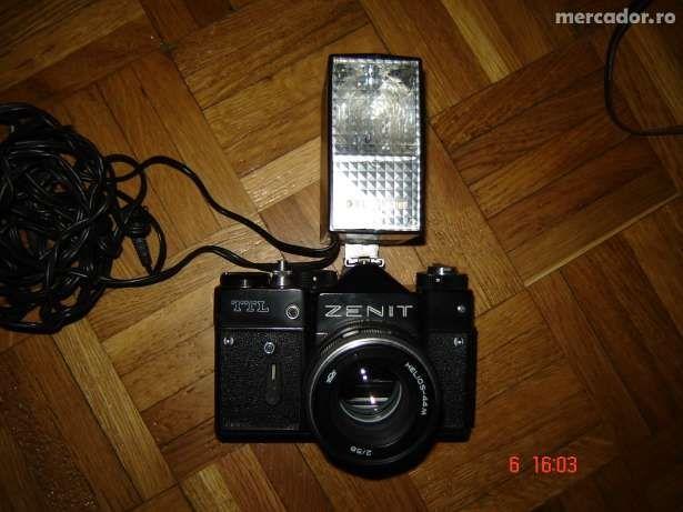 Aparat foto cu film ZENIT TTL