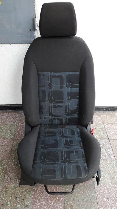 Vând scaun dreapta față pentru Ford Fiesta sau Fusion Piatra Neamt - imagine 1