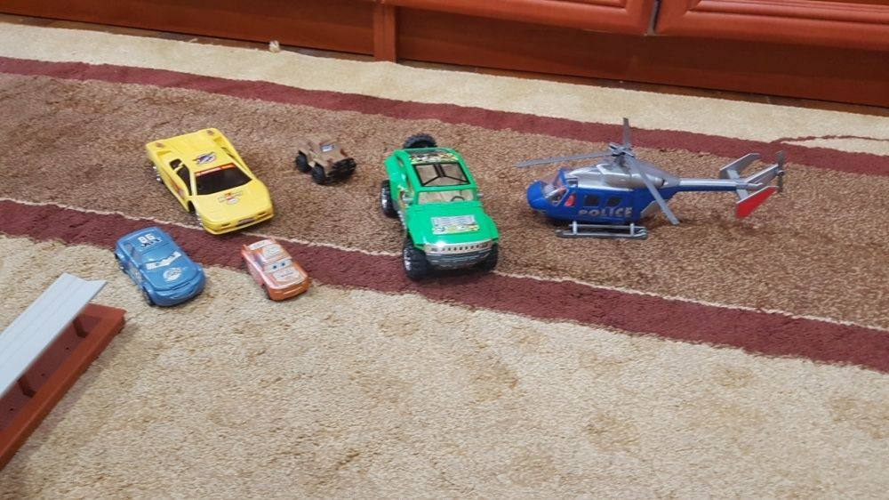 Lot masini si elicopter poliție
