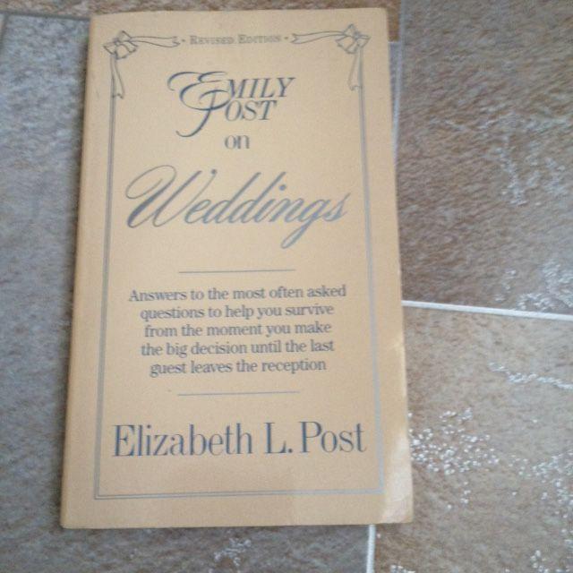 Книга Литература Английский язык About Weddings