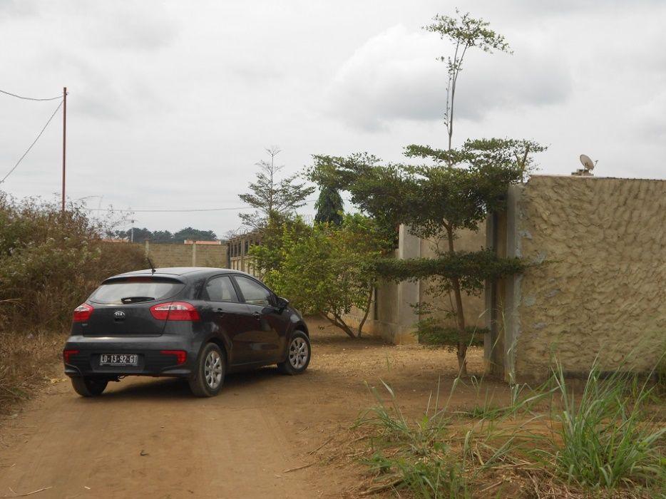 Casa T2 com Quintal sob venda