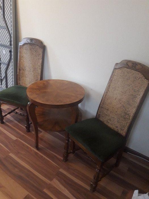 Masa si 2 scaune antique