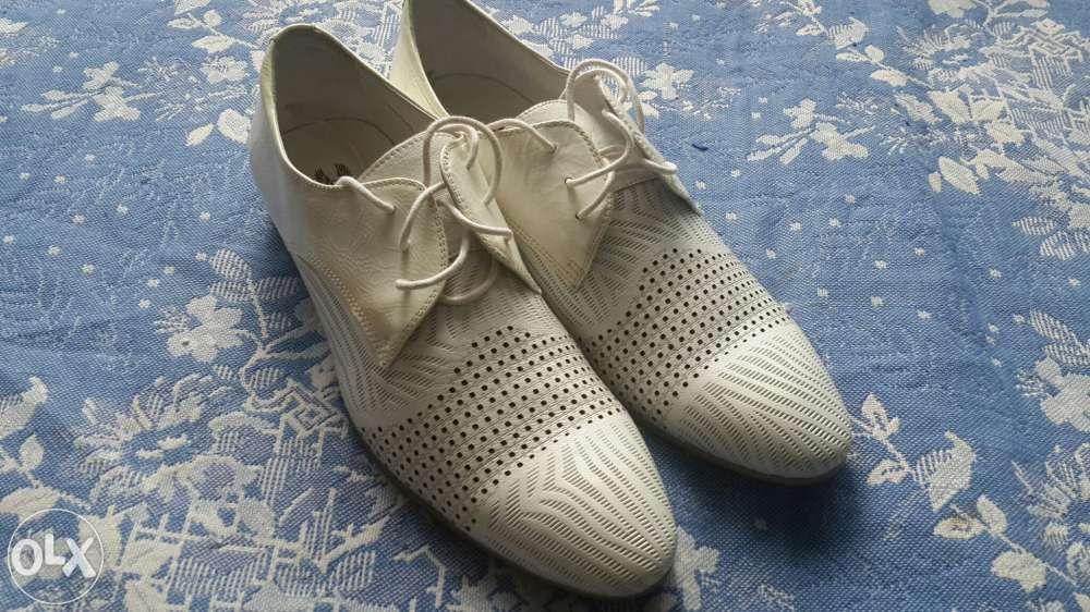 Туфли летние белые 42,5-43