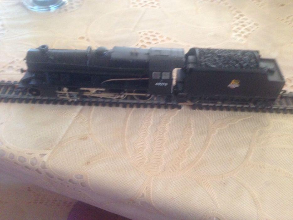 Hornby R2055 Class 8F BR Black Locomotive 48278