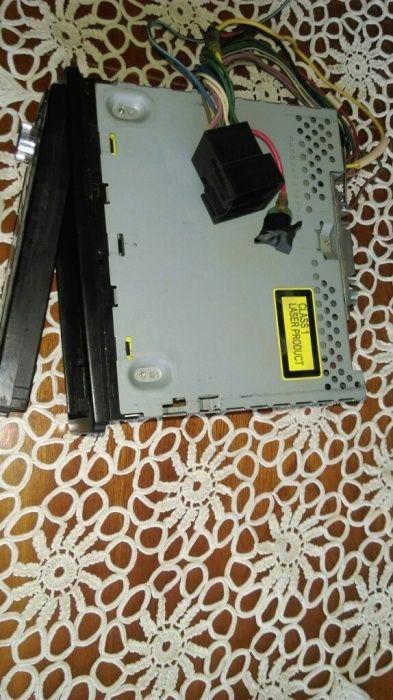 Aparat radio auto-*Mp3CD Player/Receiver Panasonic
