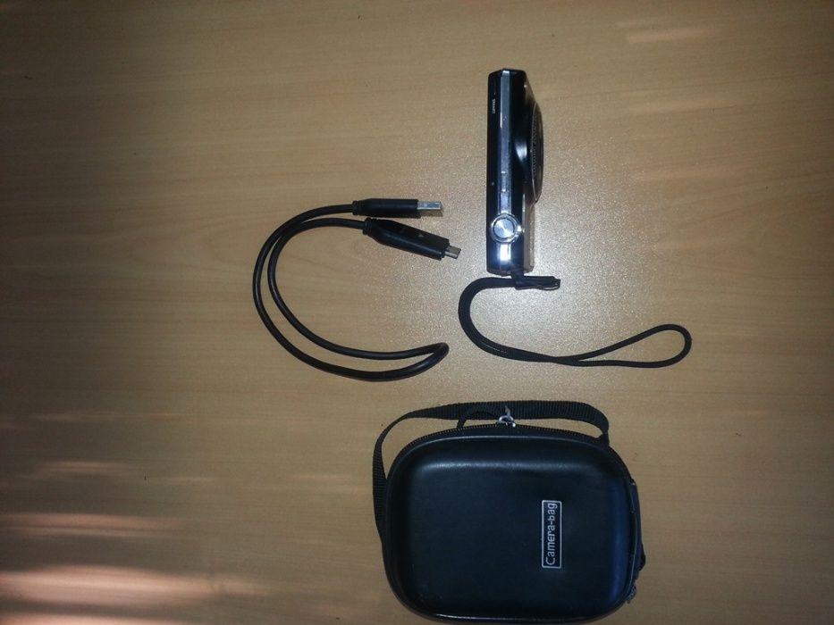 Продавам цифров фотоапарат САМСУНГ 14.2МР