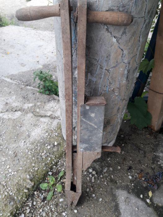 plantator f vechi din lemn