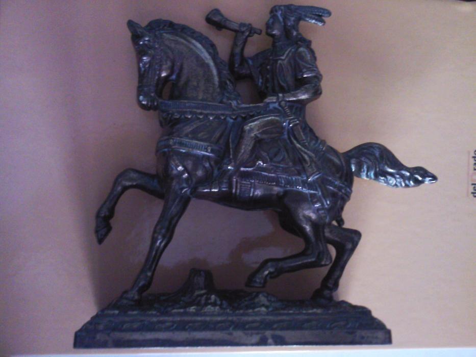 Calaret cu goarna pe cal vintage bronz cupru Anglia