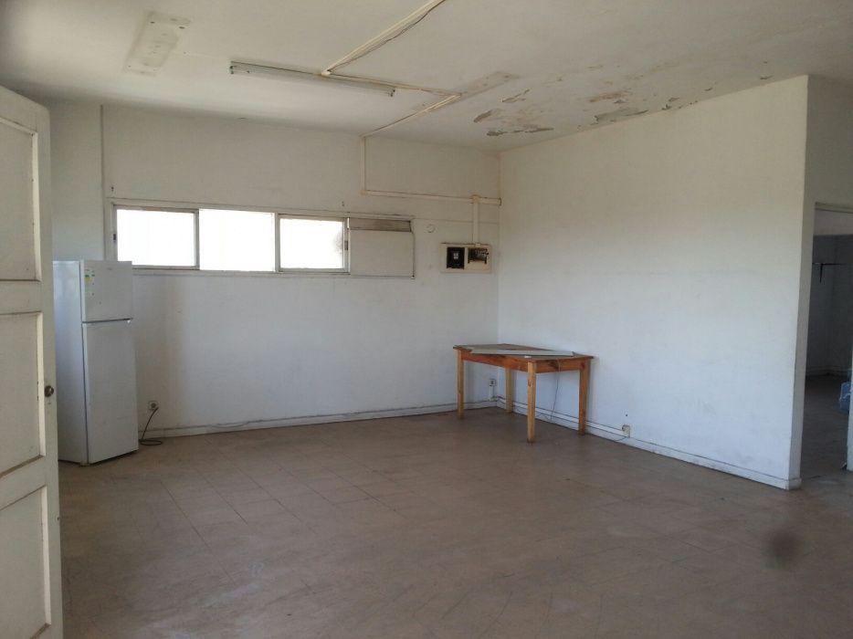 Vende-se apartamento T1 muito espaçosa c/115m2 B. Central, Maputo