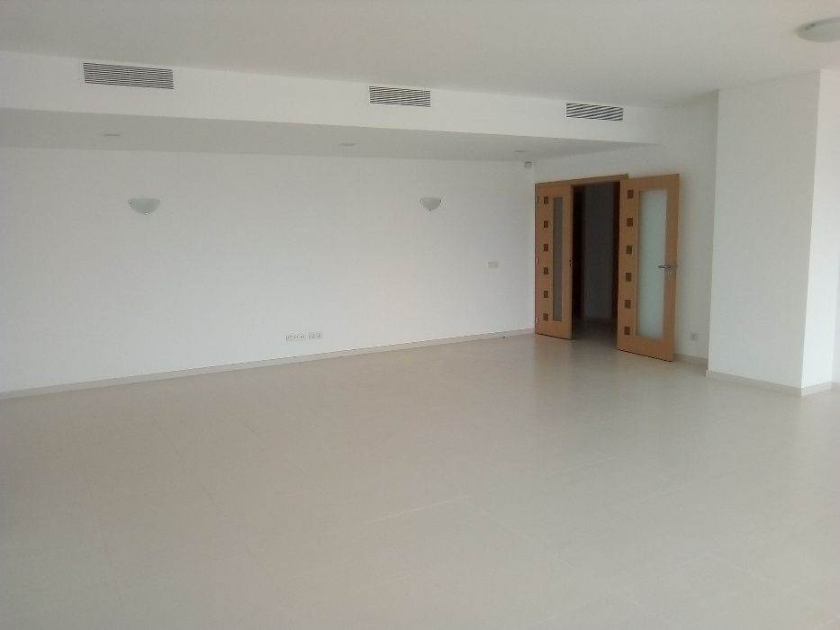 Arrenda Apartamento T4+1 Cristal Terrace - Talatona