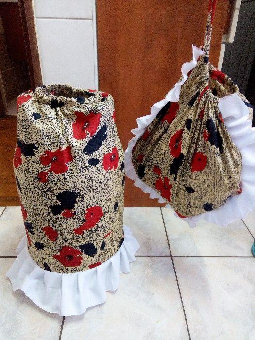 Conjunto de saco de pao e capa de botija de gas.