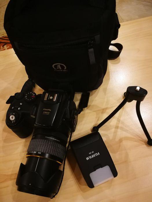 Aparat foto Fujifilm FinePix S9600