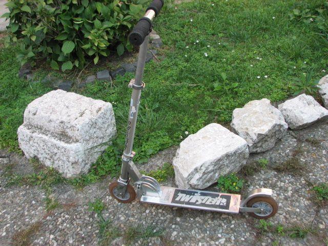 Trotineta Twister din aliaj/aluminiu pliabila