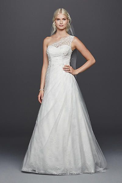 Булчинска рокля DAVID'S Bridal произведена в САЩ.
