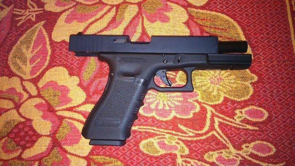 Vând pistol airsoft Glock bile CO2 gaz aer comprimat