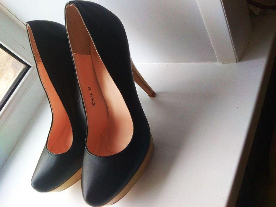 Новые туфли чёрные 37 размер
