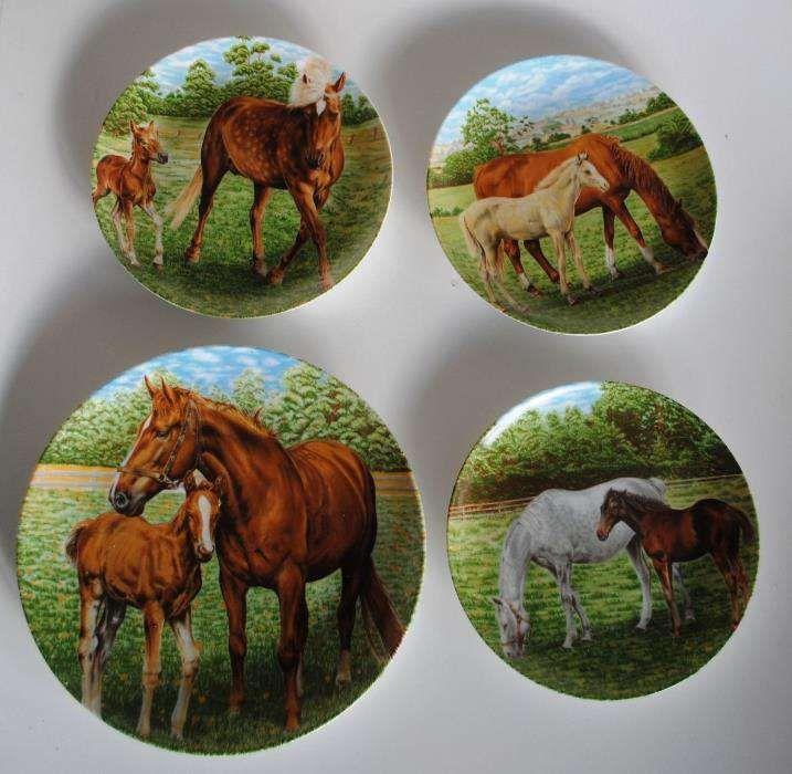 Set superb de farfurii decorative de portelan cu cai_Editie limitata !