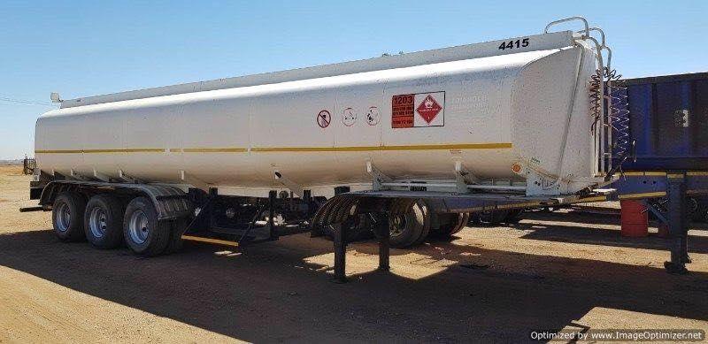 Trailer - Cisterna p'ra Combustível   40.000 Litros   3 Eixos