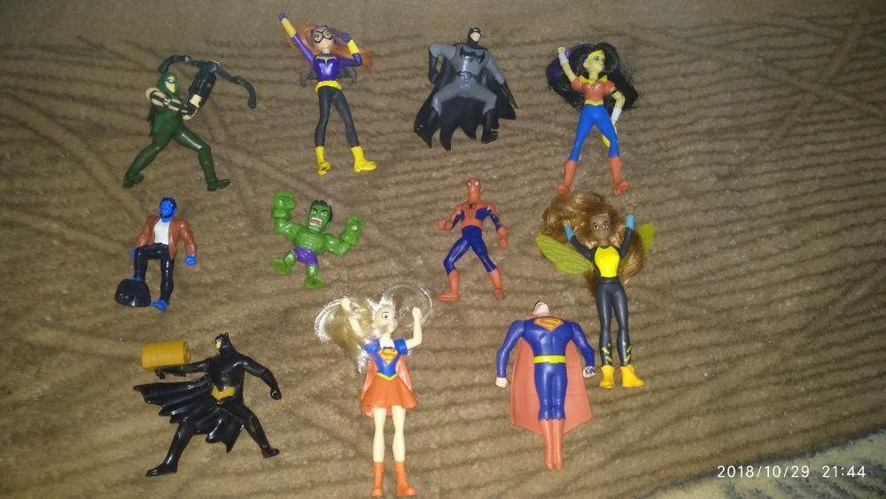 Set figurine Super eroi / eroine