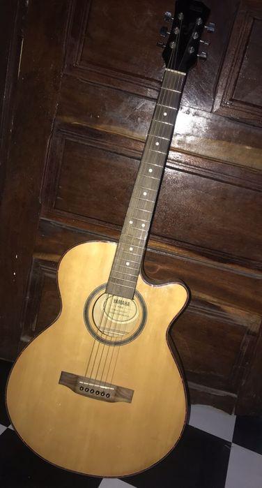 Guitarra YAMAHA Bairro Central - imagem 1