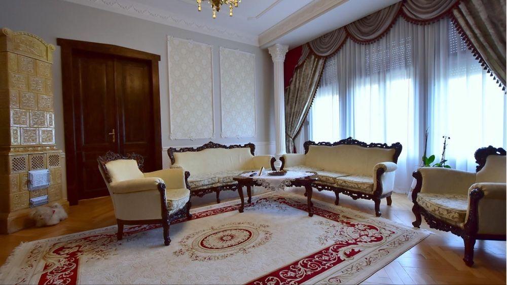 Zona centrală cladire istorică 3 camere mobilat și utilat