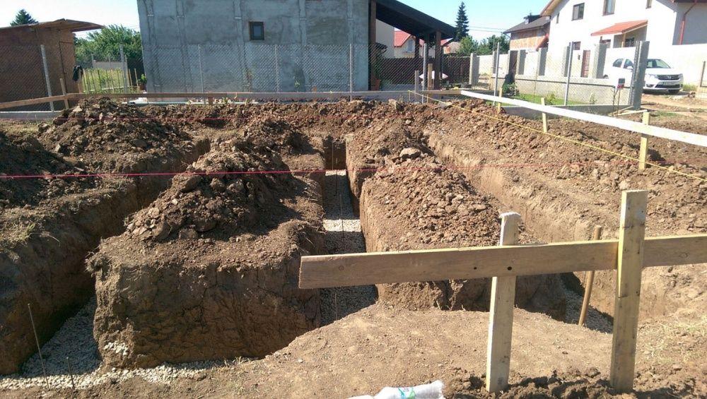 Sapaturi fundatii,fose septice,curent electric,apa,canalizare,garduri