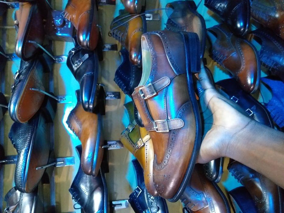 Temos sapatos com qualidade.