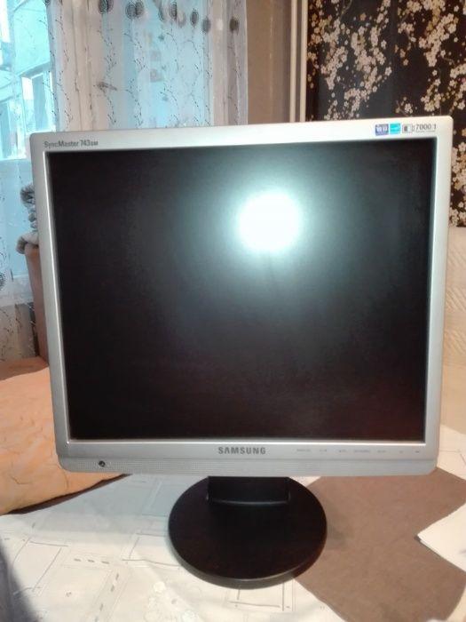 Монитор Samsung 743BM