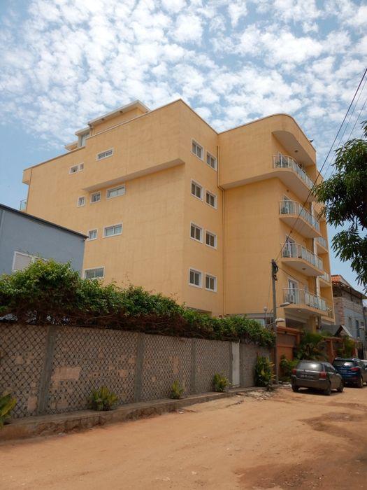Arrendamos Apartamento T5 Em Talatona Edifício Próximo ao Candando