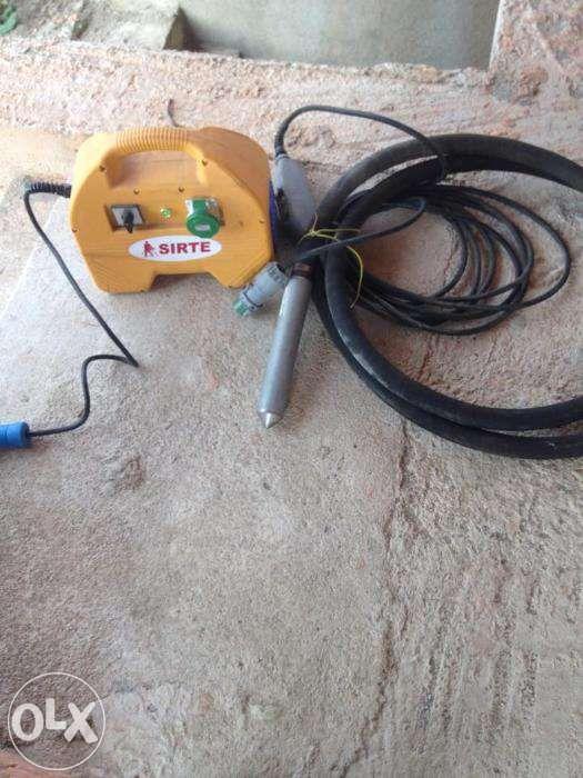 Vibrator de ciment