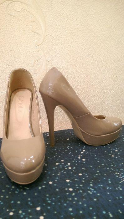 ПРОДАМ женскую одежду и обувь