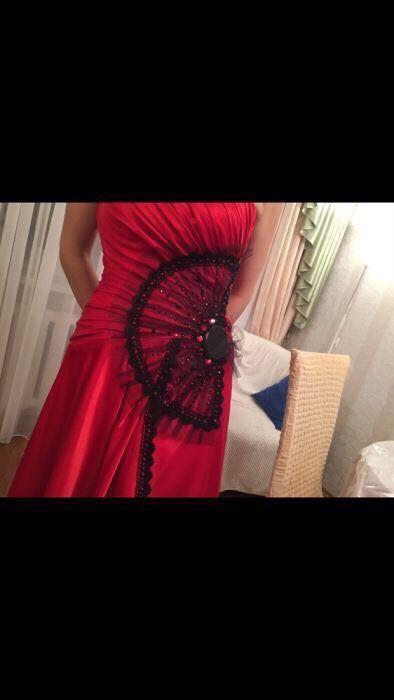 Продам платье вечернее алого цвета