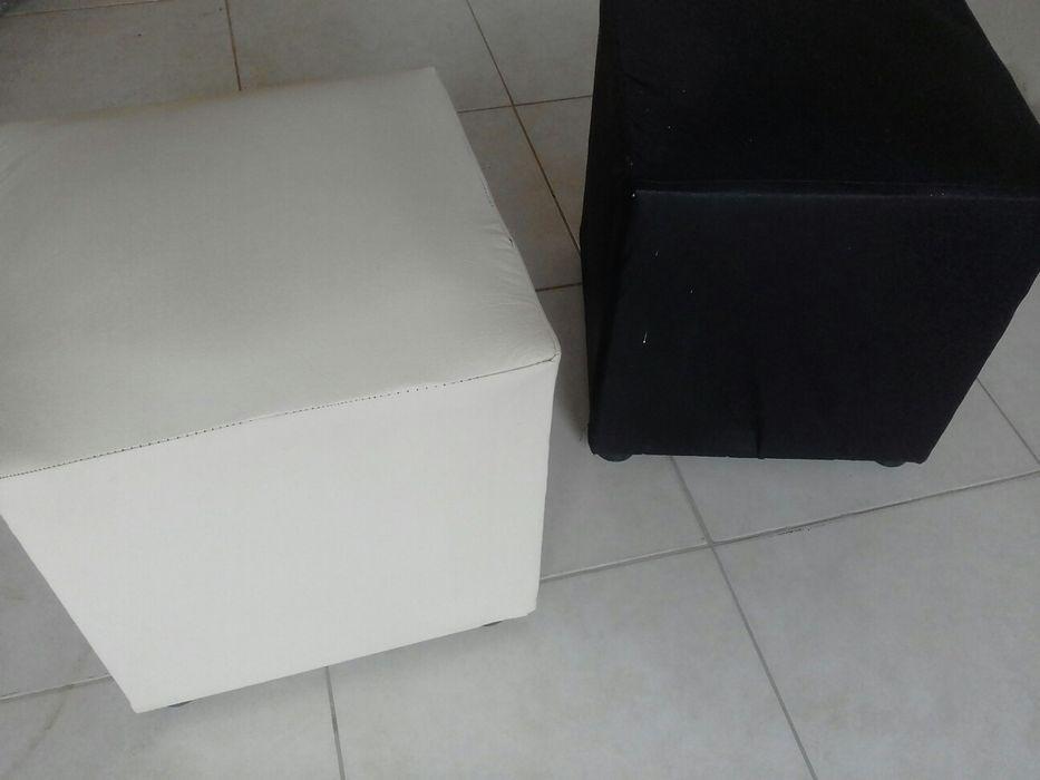 2 Cadeiras (pofos)