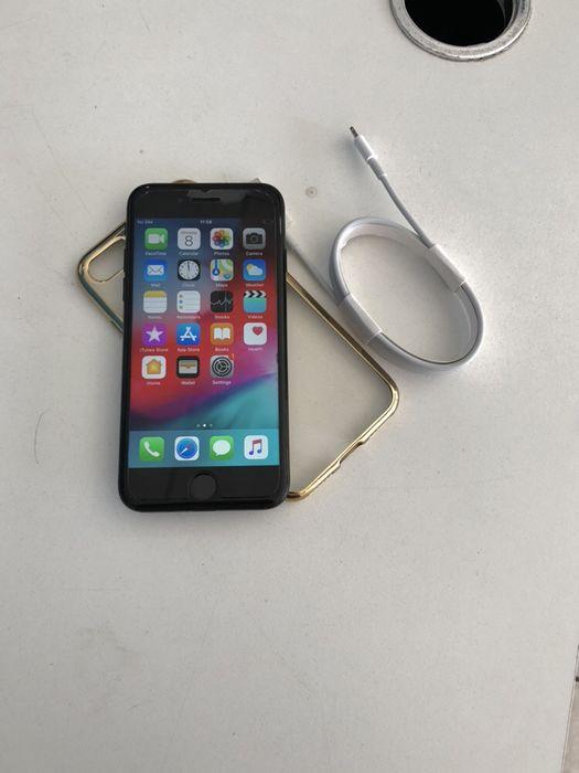 iPhone 8 Normal com 64gigas super limpo com oferta de pasta e proteto