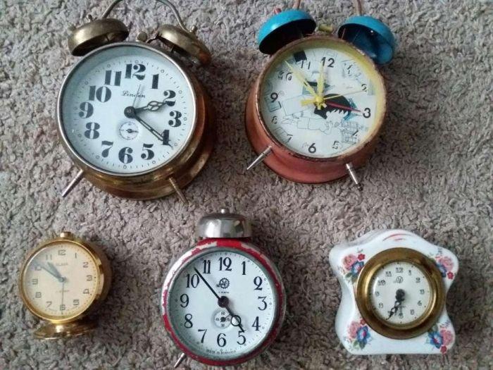 Ceas de masa mecanic 5modele ceasuri