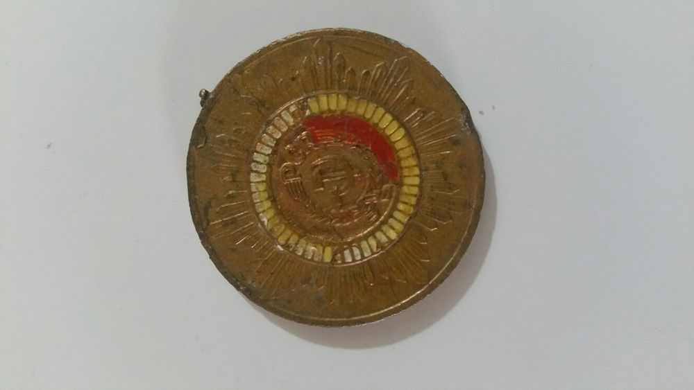 Vând insigna Hotarele - imagine 2