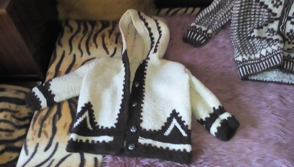 ръчно плетени жилетки