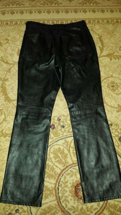 Vând pantaloni piele sintetică Marks & Spencer mărimea M 38 impecabili