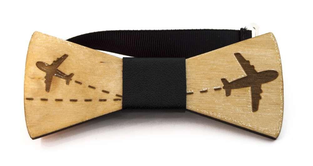 papion din lemn gravat cu desen avioane