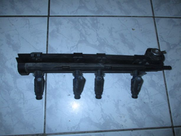 Injectoare +rampa Golf IV 4 Sharan Alhambra Octavia Beetle 2,0 benzina