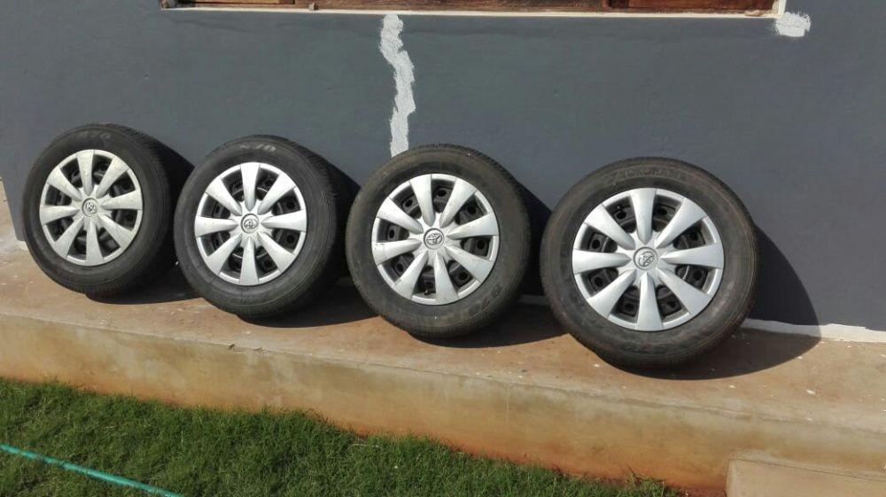 Promoçao jogo de pneus novos com jantes