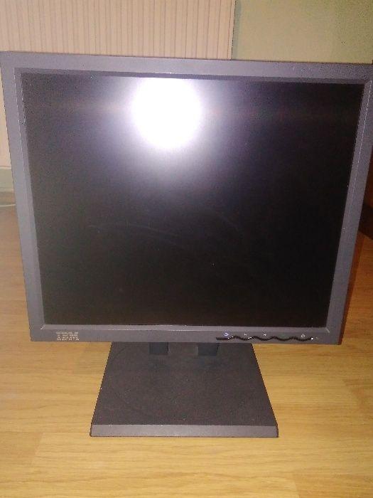 Monitor Profesional LCD / TFT - marca IBM - 9494-HB0 ca Nou