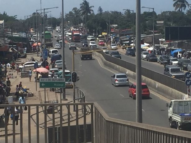 BENFICA 5hectares a aberma da estrada EN1/Av.Mocambique.