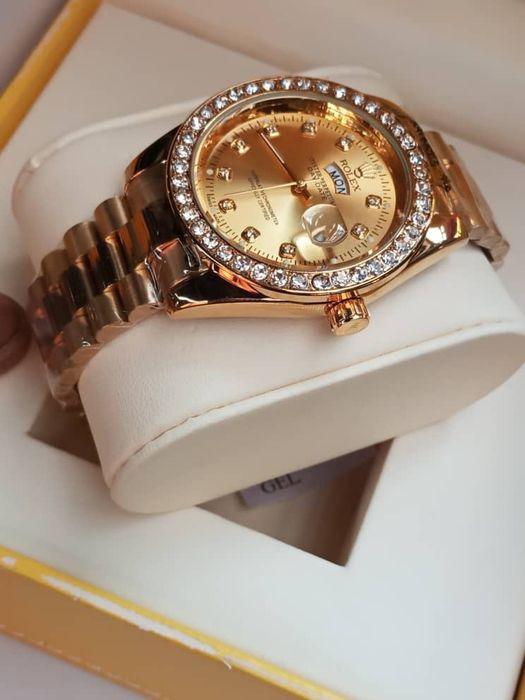 Relógio diversos por apenas 15 mil kzs