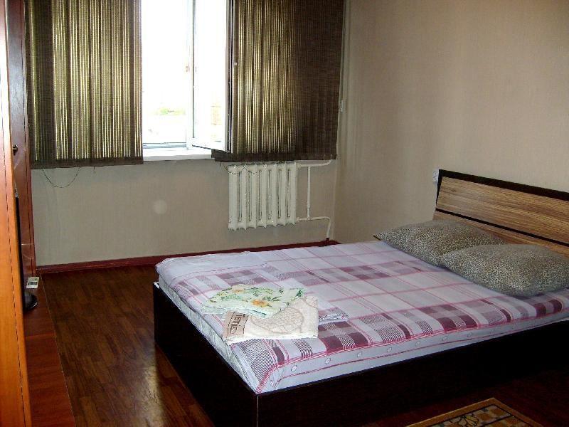 Посуточно квартира в 11 мкр