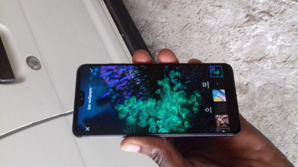 Huawei P20 128GB em bom estado